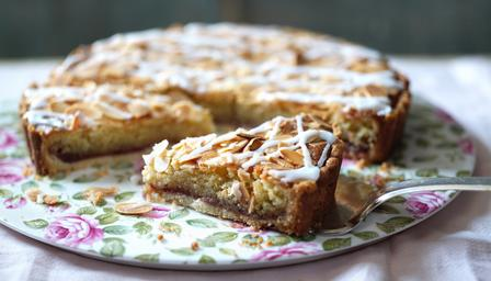 Image taken from http://www.bbc.co.uk/food/recipes/bakewell_tart_90600